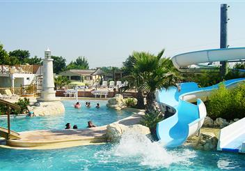 Camping royan proche plage en charente maritime camping for Camping piscine royan